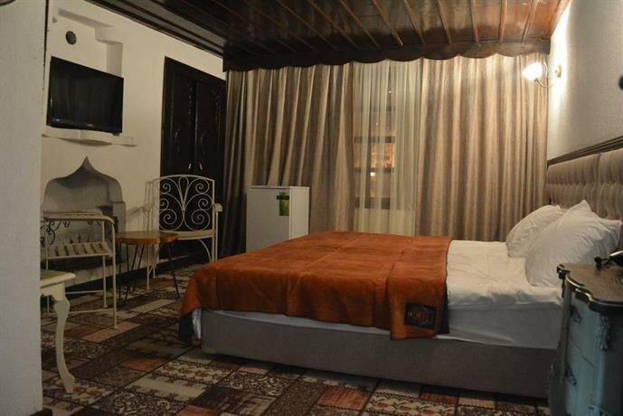 Theodore Butik Hotel