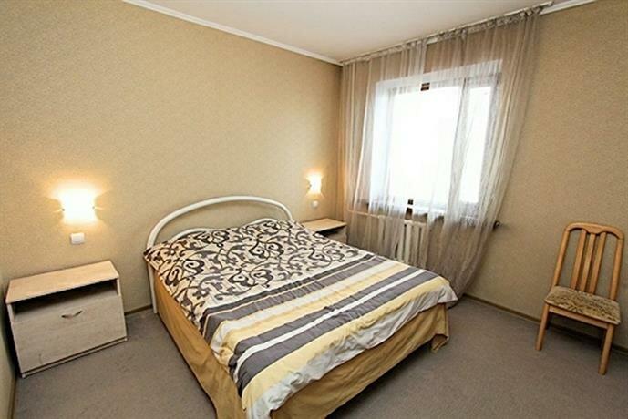 Dvuhkomnatnaya Kvartira V Tsentre 405 Apartments