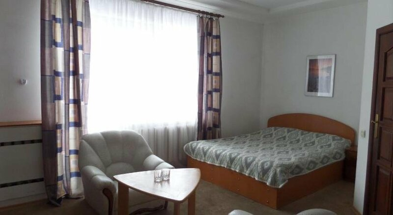 Отель на Любимова 3