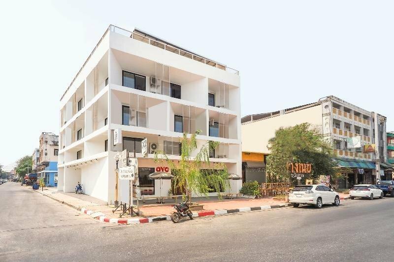 Oyo 820 Labkoff Cafe And Hostel