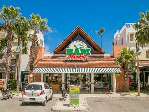 Las Terrazas VIP Pool Beach Club & SPA