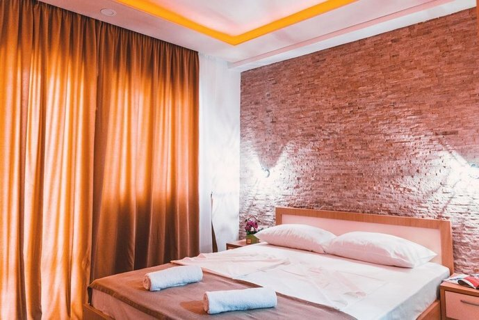 Guest House S-Lux