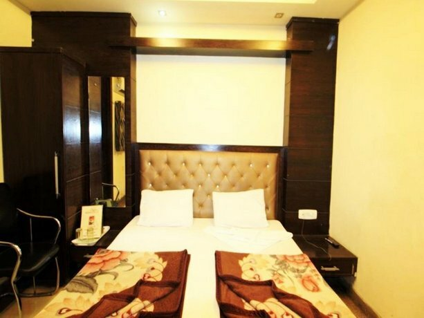 Adb Rooms Hotel Chander Palace