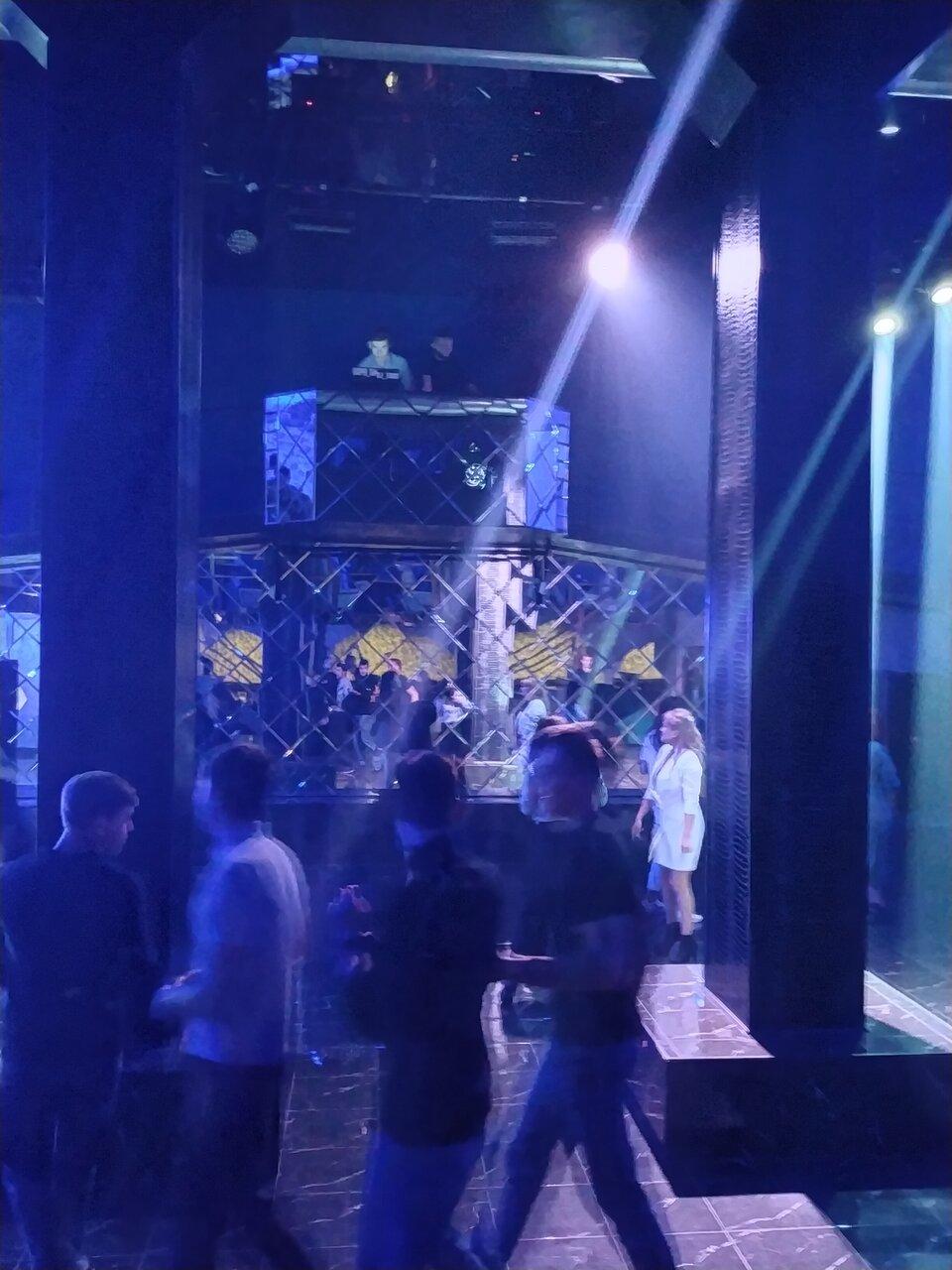 Клуб на савушкина ночной клуб владивосток закрытые ночные