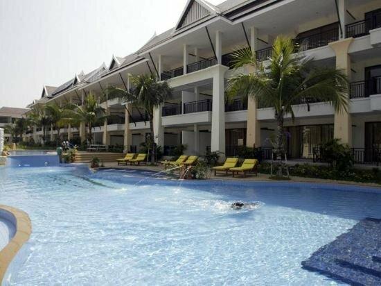 Sunrise Beach Resort And Residence