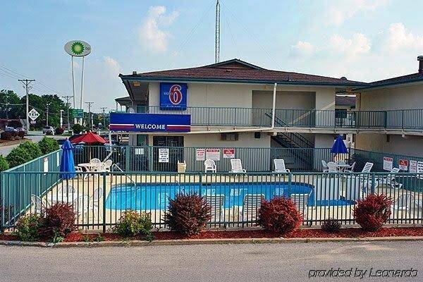 Super 7 Motel