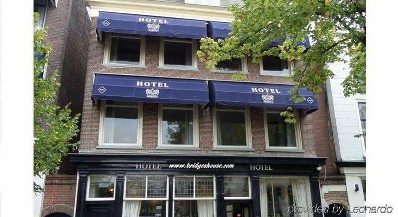 Hotel Bridges House