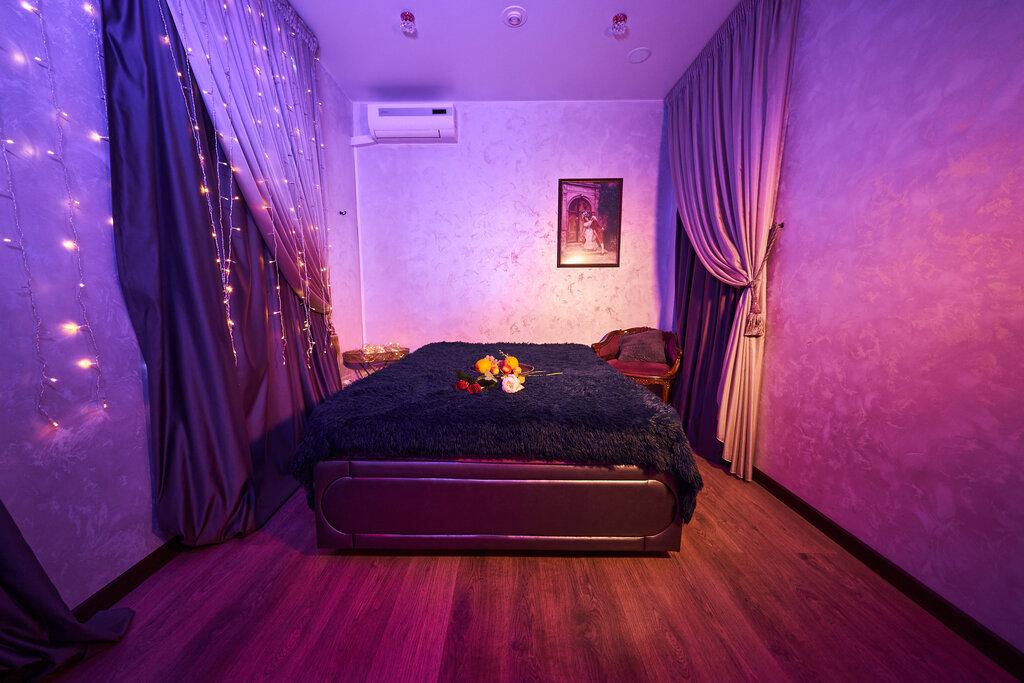 Королева клуб массаж москва лесби видео в ночных клубах
