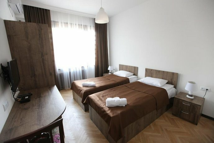 гостиница — Hotel Home Tbilisi — Тбилиси, фото №1