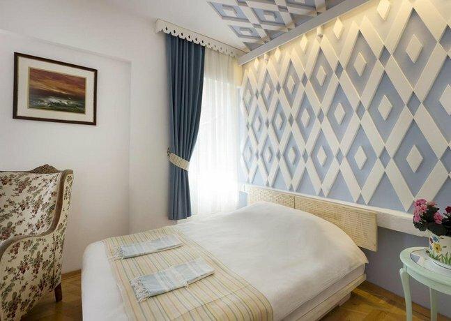 Kalais Hotel