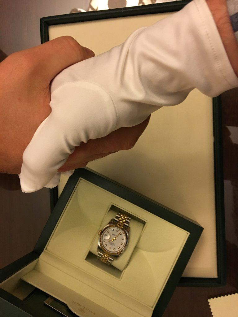 продам часы chanel керамика