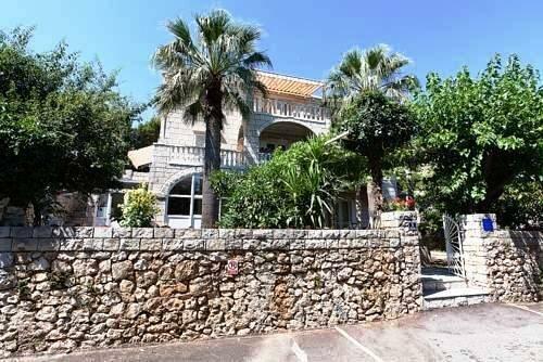 Two Palms Villa