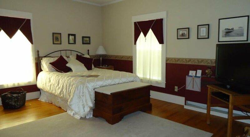 Bennett House Bed & Breakfast