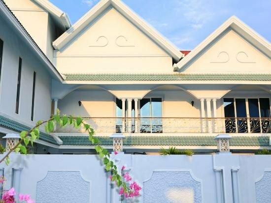 Pattaya luxury pool 6 bedrooms villa