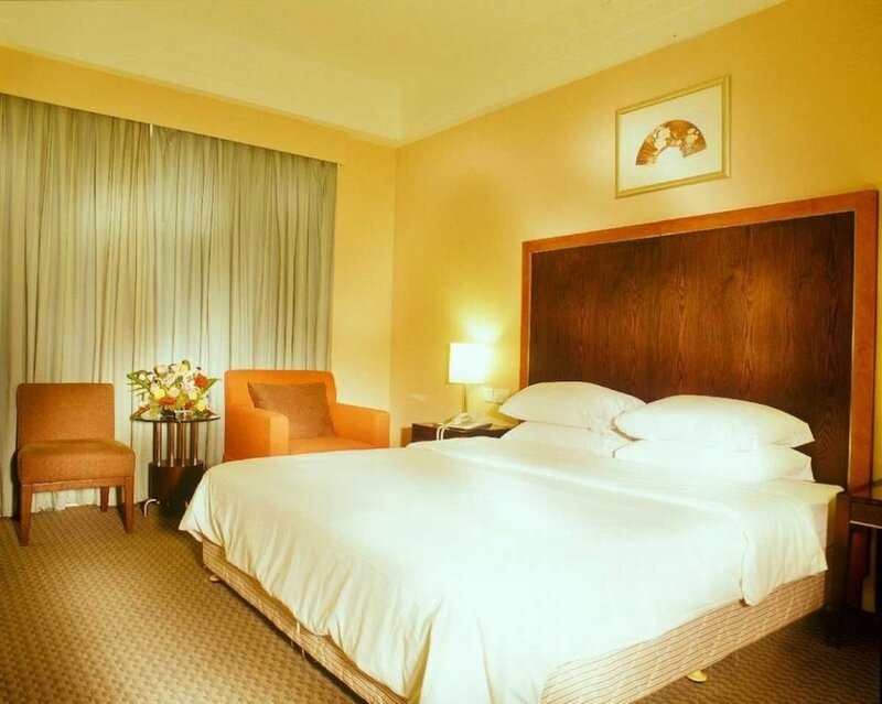Golden Coast Lawton Hotel