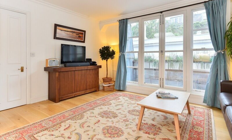 Charming Flat Near Earl'S Court Station 4 Guests