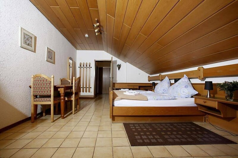 Hotel Pension Zum Paradies