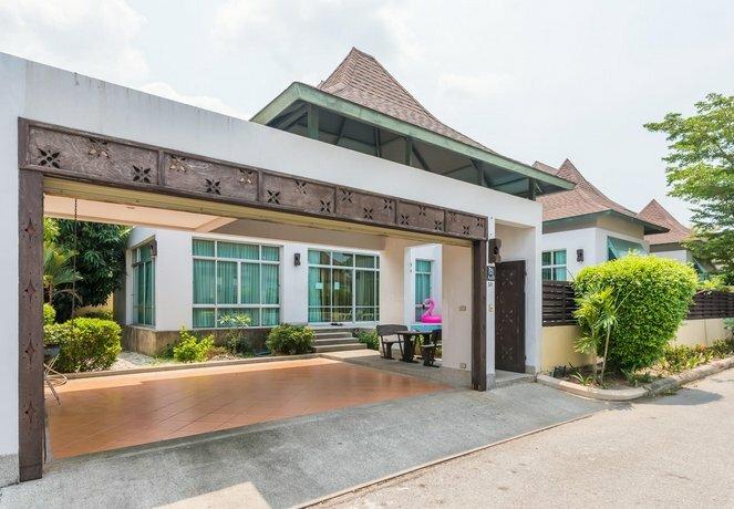 AnB Pool Villa 3br Glass House in Pattaya