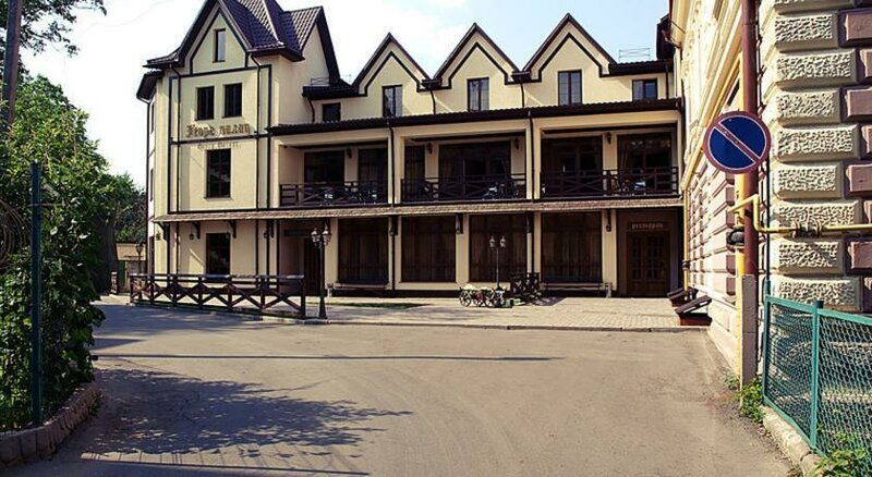 Гостинично-ресторанный комплекс Georg Palace Hotel
