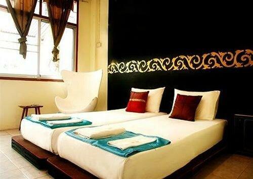Phuket 43 Guesthouse