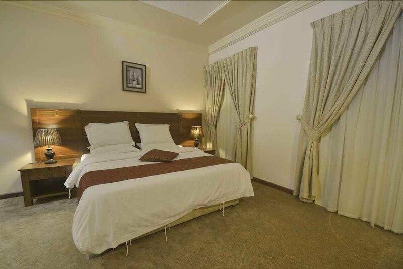 Al Meshkat Hotel Apartments