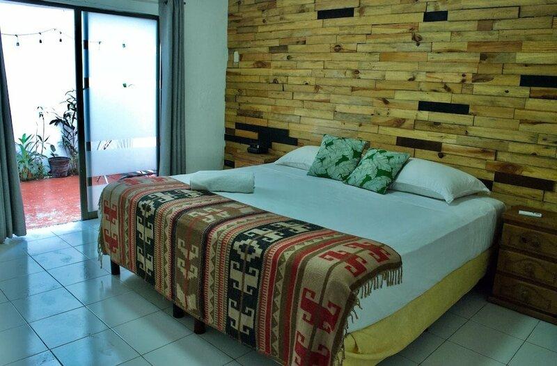 Macarena Hotel & Hostel