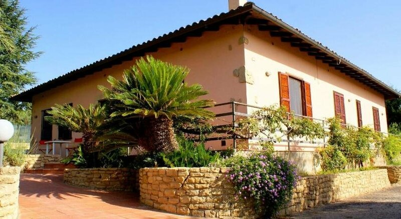 La Casa Del Conte Ruggero Caltagirone Sicilia
