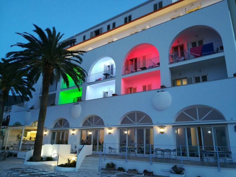 Отель Gran Paradiso