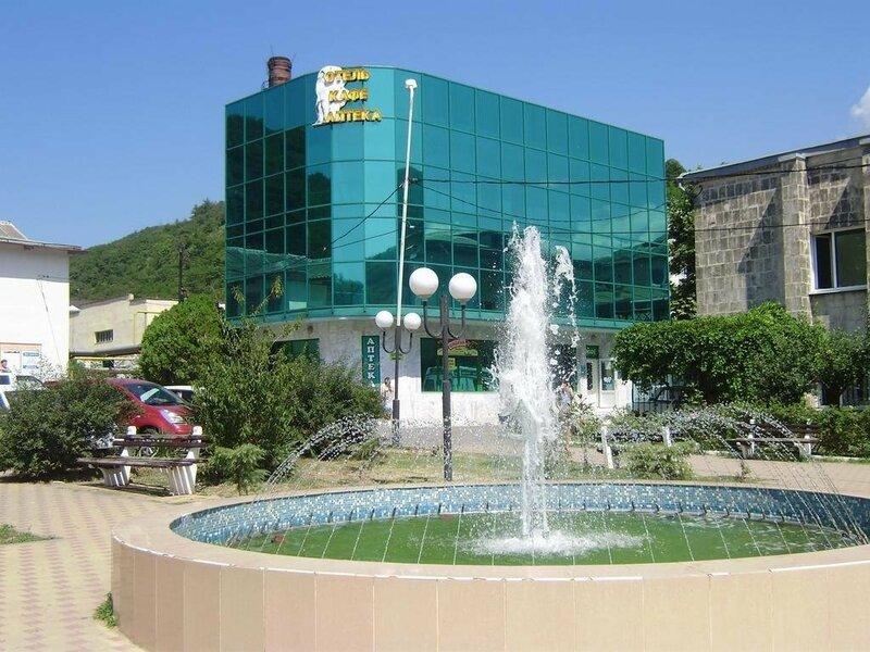 Отель Небуг