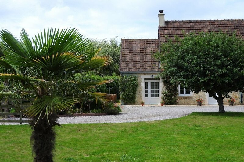 Property with 2 Bedrooms in Sainte-Marie-Du-Mont, with Enclosed Garden And Wifi