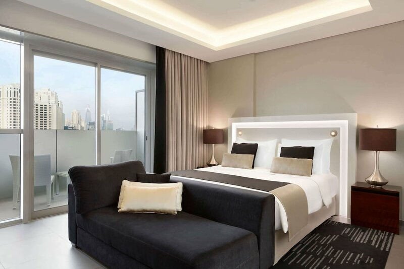 Modern En-suite Flat w Dubai Marina View!