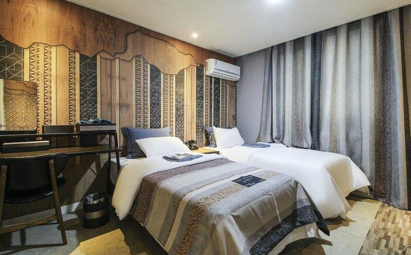 Hotel Dean