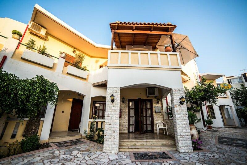 Erato Hotel Apartments