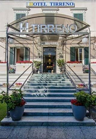 Tirreno Beachfront Apartments