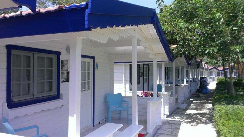 Mavi Beyaz Hotel Beach Club