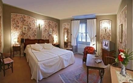 Hostellerie des Monts de Vaux