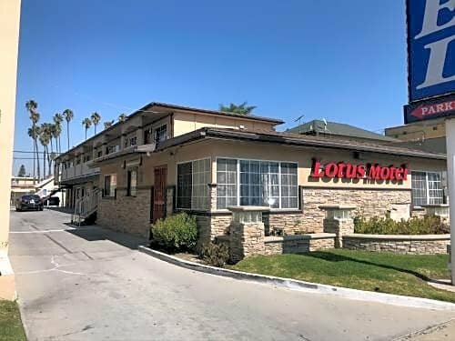 Lotus Motel Lax