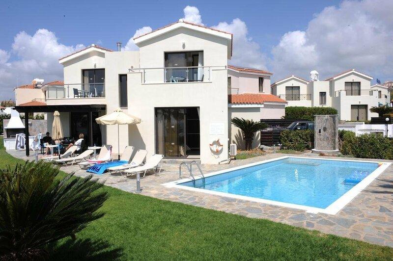 Platzia Beach Villas