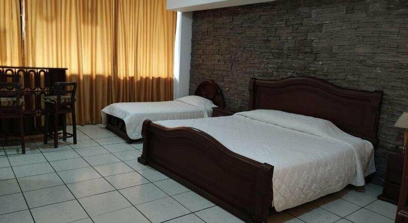 Hotel Puerta Del Sol Santo Domingo de Los Colorados