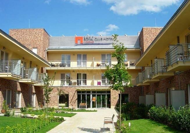 Royal Club Hotel