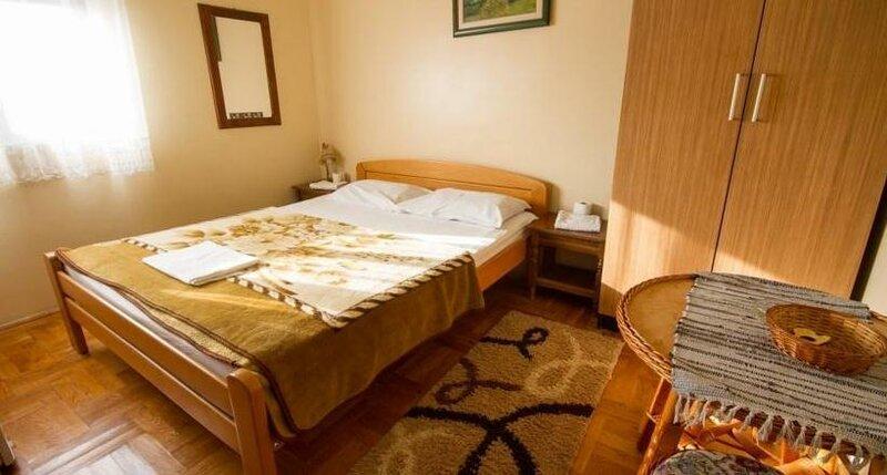 Private Accommodation Kubura