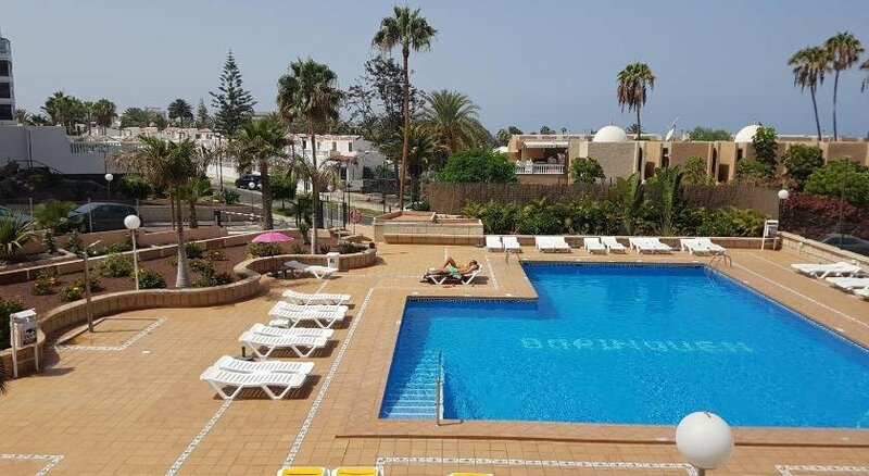 Apartment Borinquen with heated pool only 280 meters to the beach wifi