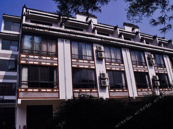Lijiang Langzi Boutique Hotel