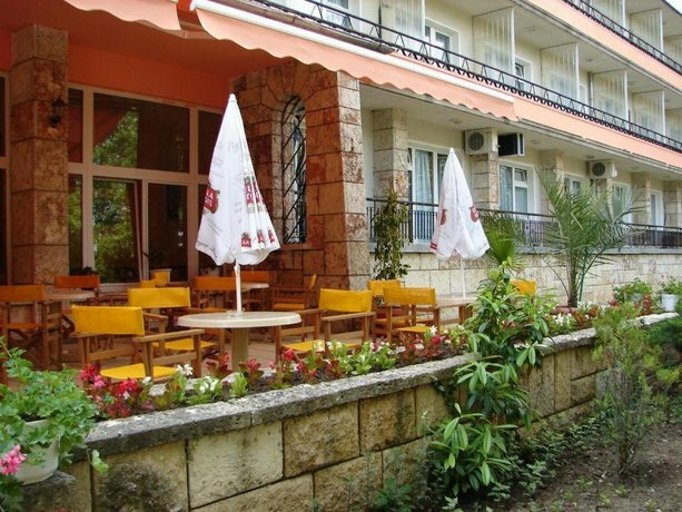 Adis Holiday Inn Hotel