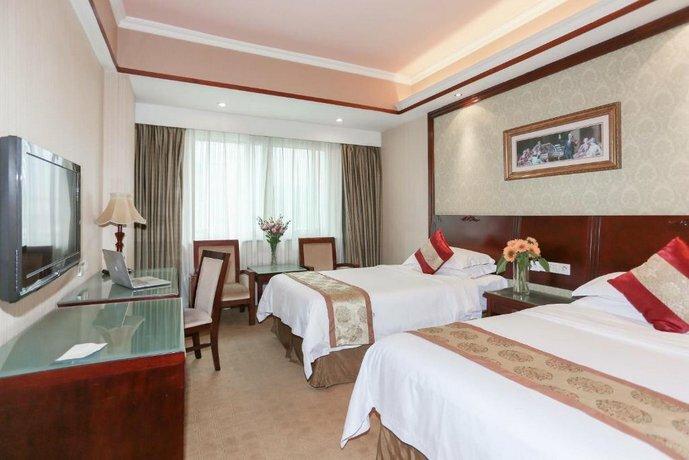 Vienna International Hotel Shantou Chenghai Waisha Bridge