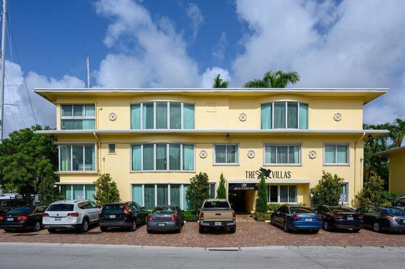 1ivd103j 1 Bedroom Hotel Room