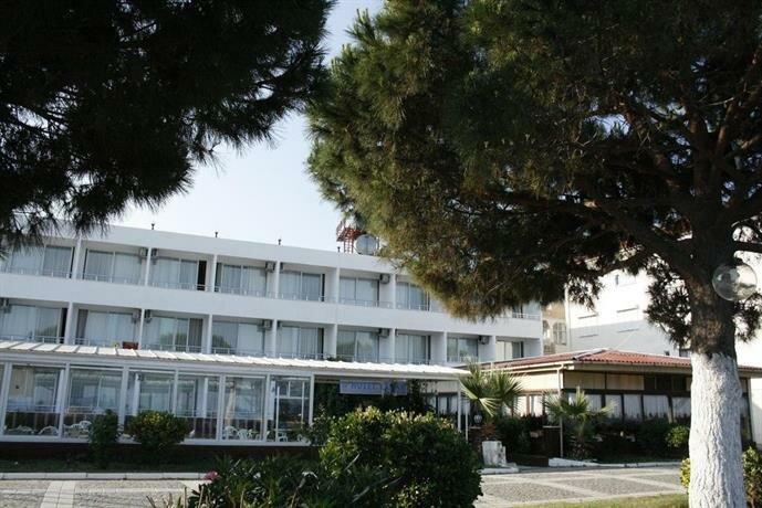 Yarar Hotel