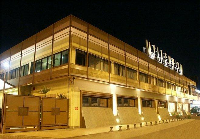 Отель Millennium Gold