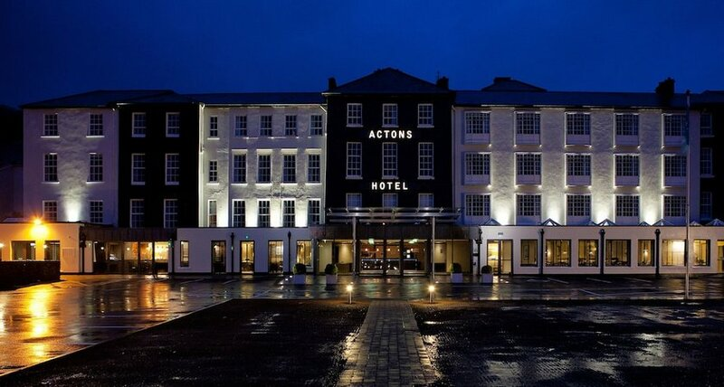 Hotel Actons