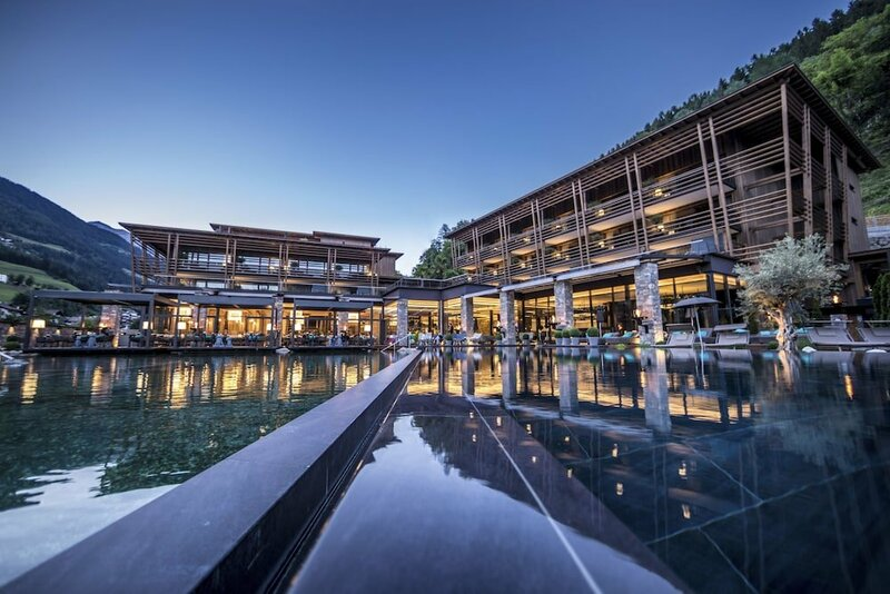 Andreus Resorts